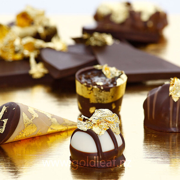 gold-flakes-on-chocolates-buy-at-gold-leaf-nz