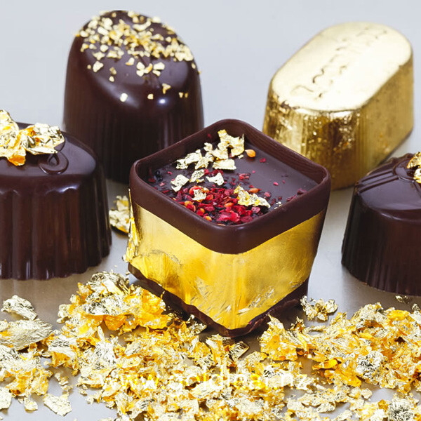gold-flakes-on-dark-chocolates-buy-at-gold-leaf-nz