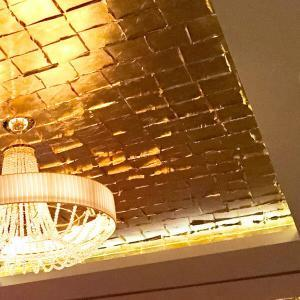gilded ceiling with Noris gold leaf