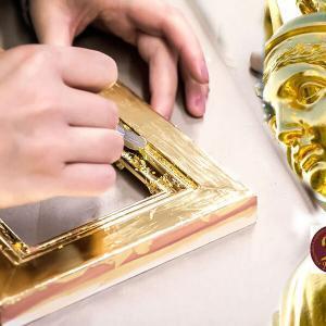 gilding-workshop-at-gold-leaf-nz